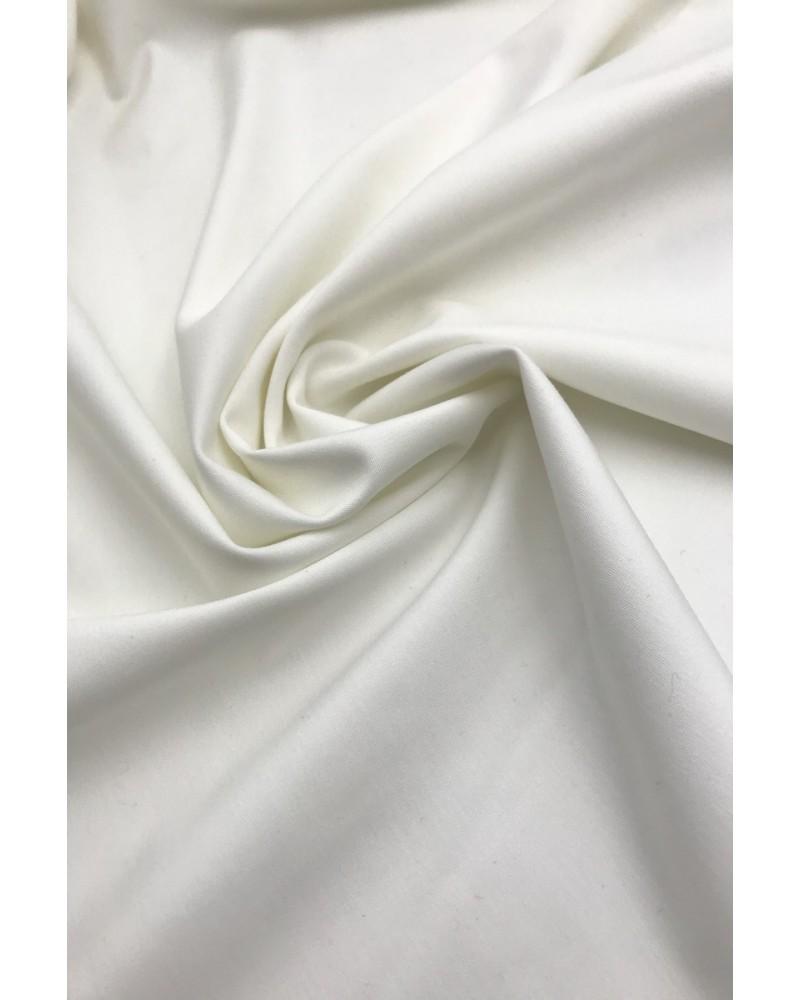 Трикотаж  в  белом цвете