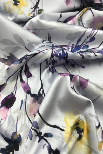 Ткань с цветочным принтом